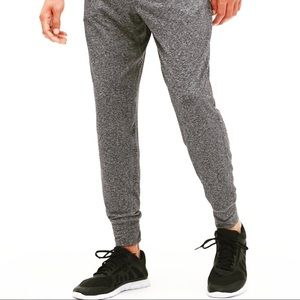 💰Brushed tech tapered sweatpants